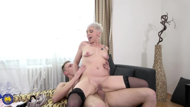 Kathy White beeg blonde free hd