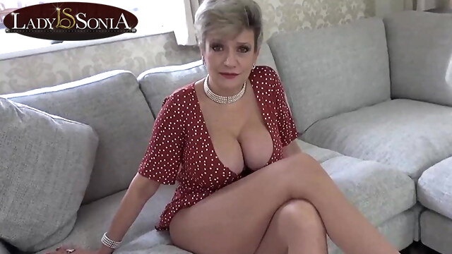 Lady Sonia is.. beeg blonde free mature